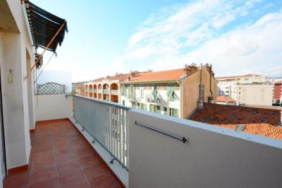 Nice est - riquier - grand 2 pièces avec balcon et