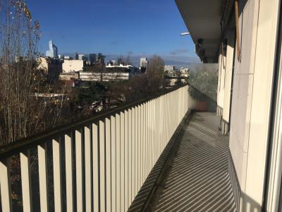 2 pièces sur jardin + balcon et parking