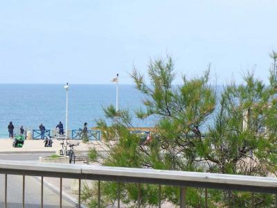 Deux pièces spacieux vue mer avec terrasse