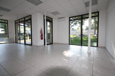Location Local commercial Tocane-Saint-Apre
