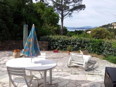 Villa provençale divisée en deux logements indépendants jumelés