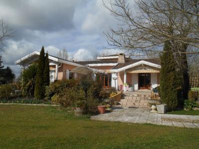 Maison de qualité avec belle vue sur 3164 m² de terrain