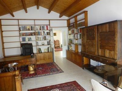 Sale house / villa Saint-jean-d'angély 342000€ - Picture 3