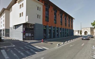 Location Boutique Avignon