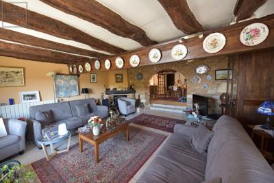 Maison de village de 180m² avec piscine et garage