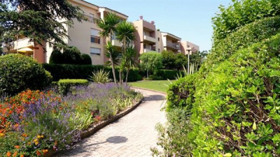 Deluxe sale apartment Antibes 898 000€ - Picture 6