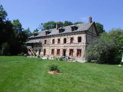 Sale house / villa Est lisieux 325000€ - Picture 1