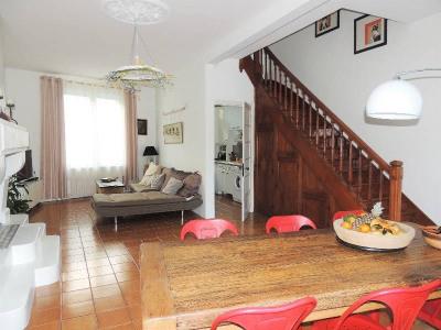Maison 10 pièce (s), 126 m² - Cognac (16100)