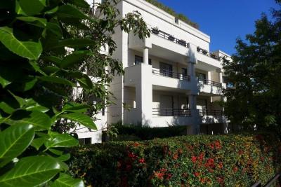Immeuble récent de standing - 3 pièces 77,34 m² - terrasse 1