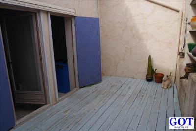 M. Village avec terrasse