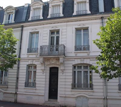 RARE - Maison bourgeoise en centre ville de MEAUX