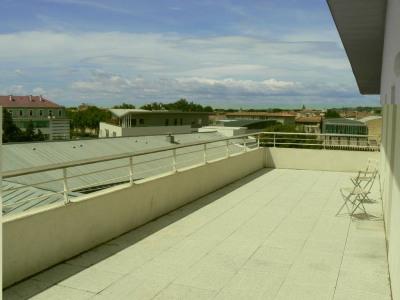 Avignon Extra-Muros - Beau P4 de 89m² avec terrasse, caves et pa
