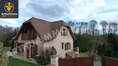 Haut d'idron maison T6 construction traditionnelle 150 m²
