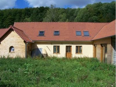 Propriété atypique 7667 m² terrain 4 chb beaux volumes prox a28