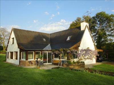 Maison de campagne, 208 m² - Belle Isle en Terre (22810)