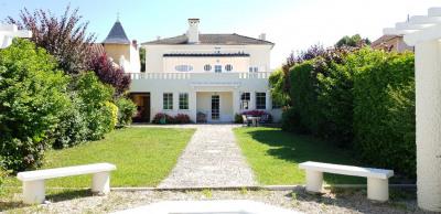 Maison Janneyrias 10 pièce (s) 260 m²