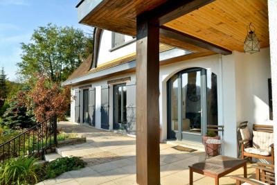 Dans un cadre champêtre, Villa T9 avec sous-sol complet et appar