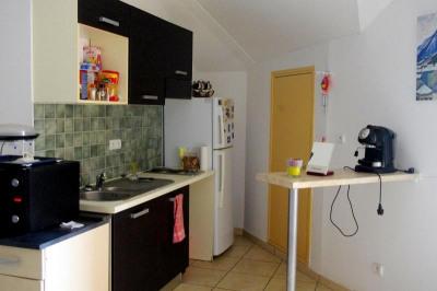 F2 st gilles les bains - 2 pièce (s) - 49 m²