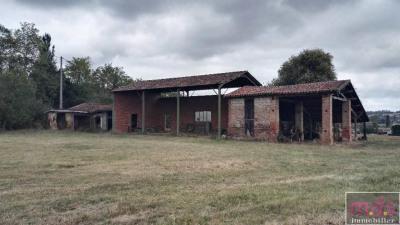 Grange à rénover sur 3000 m² de terrain