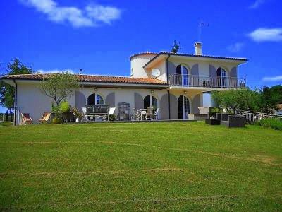 20 mn au sud de bordeaux à vendre superbe villa avec piscine