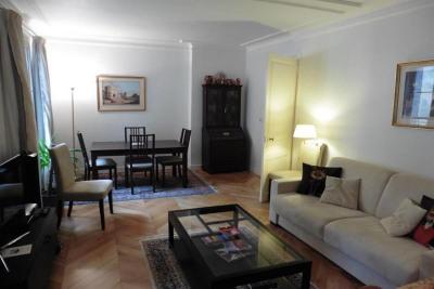 Location vacances - Appartement 2 pièces - 48 m2 - Paris 17ème - Photo