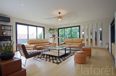 Maison Cholet 9 pièce(s) 195.10 m2