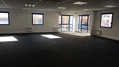Locação - Escritório - 225 m2 - Moissy Cramayel - Photo