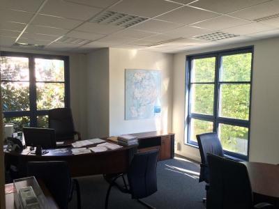 Location Bureau Chessy
