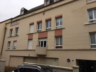 Appartement dans Résidence au centre ville de Cosne sur Loir