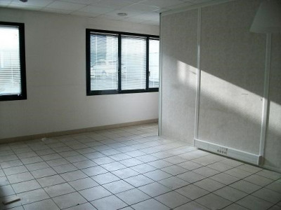Location Bureau Limas 0