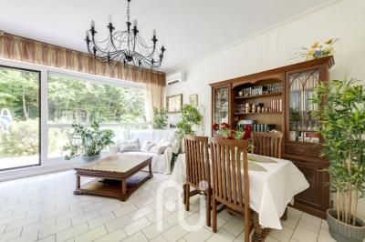 Appartement Courbevoie 6 pièce(s) 1 m2