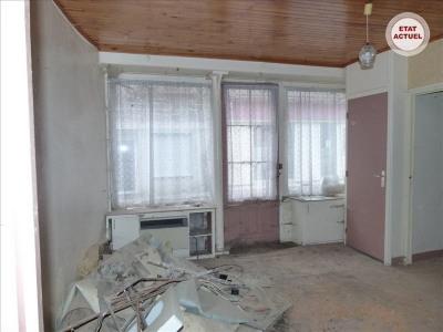 Maison en pierre sur 4 niveaux à restaurer entièreme