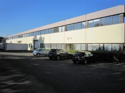 Location Local d'activités / Entrepôt Buc