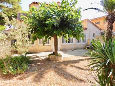 Maison Provençale type 5 avec jardin à 150 m du port