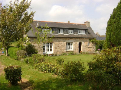 Stone-built property 4 rooms, 95 m² - Ploubezre (22300)