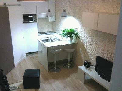 Joli Studio meublé