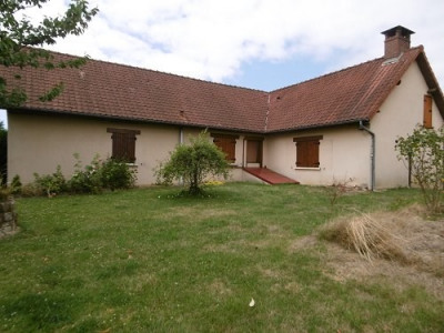 Maison cheminée insert 3 chambres garage sur 1000m² de terrain