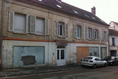 45mn Roissy CDG, 15mn Villers Cotterêts ou 15mn autoroute A4