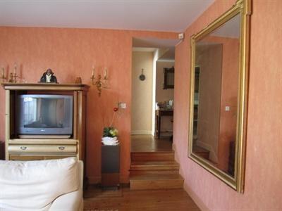 Sale house / villa Barbezieux saint hilaire 197000€ - Picture 3