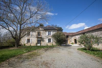 Maison Viella 6 pièce (s) 200 m²