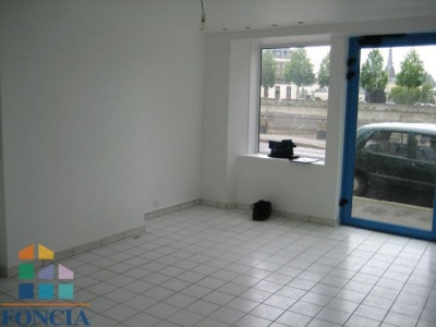 Location Local commercial Laval