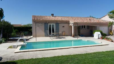 Villa avec piscine calme et résidentiel