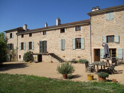 Stone-built property 12 rooms
