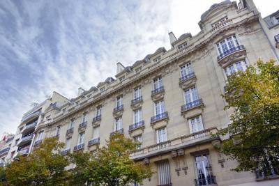 Paris XVIe - Avenue Victor Hugo