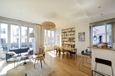 Paris 10th District – A perfect pied a terre in a lively neighbo