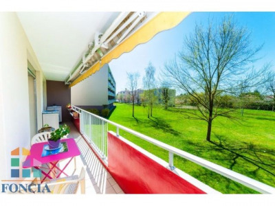 Appartement 4 pièces avec terrasse à Saint Denis lès Bourg