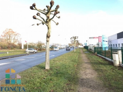 Location Local d'activités / Entrepôt Luisant