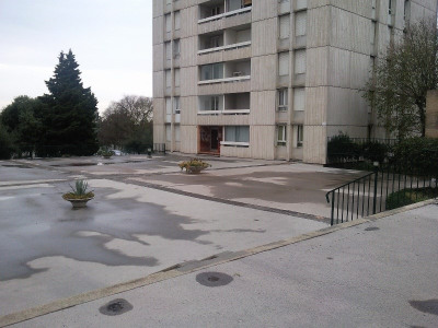 Vente Appartement 4 pièces Nîmes-(75 m2)-60 000 ?
