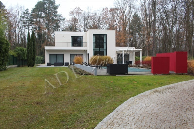 Contemporary house 8 rooms