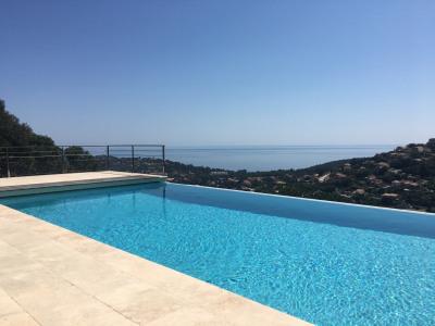 Belle villa de 4 chambres avec piscine, vue sur mer, au calme